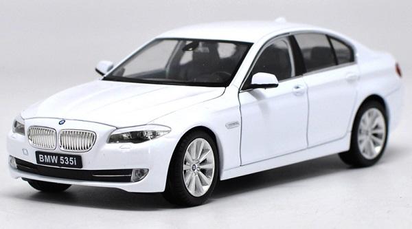โมเดลรถ โมเดลรถยนต์ โมเดลรถเหล็ก bmw 535i white 1