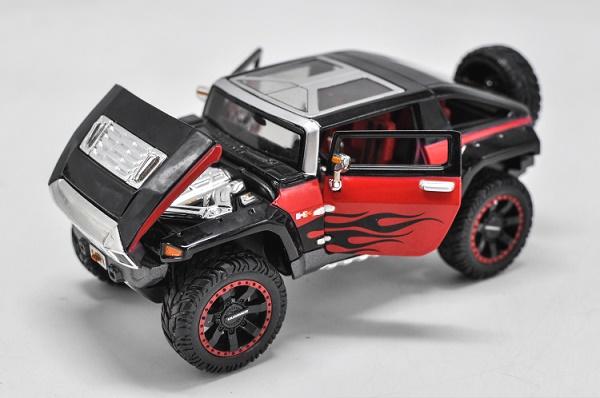 โมเดลรถเหล็ก โมเดลรถยนต์ Hummer HX black 4