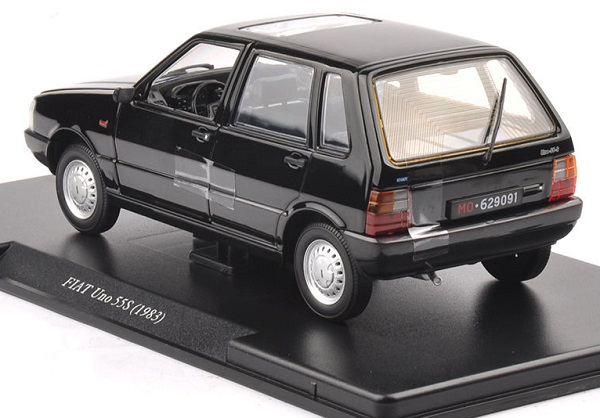 โมเดลรถเหล็ก โมเดลรถยนต์ Fiat Uno 55S black 4