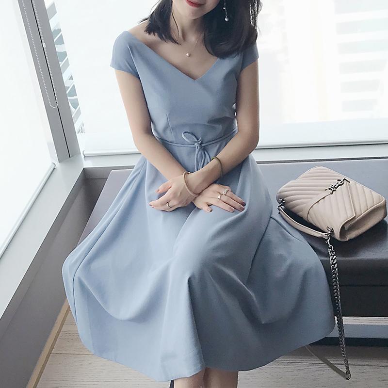 **สินค้าหมด Dress4132 แม็กซี่เดรสยาวทรงสวยสีพื้นฟ้าคราม มีสายผูกเอว ซิปข้าง ซับในอย่างดี ผ้าชีฟองทึบแสงเนื้อดีมีน้ำหนักทิ้งตัวสวย งานดีสวยเรียบหรู มีติดตู้ไว้ใส่ได้เรื่อยๆ