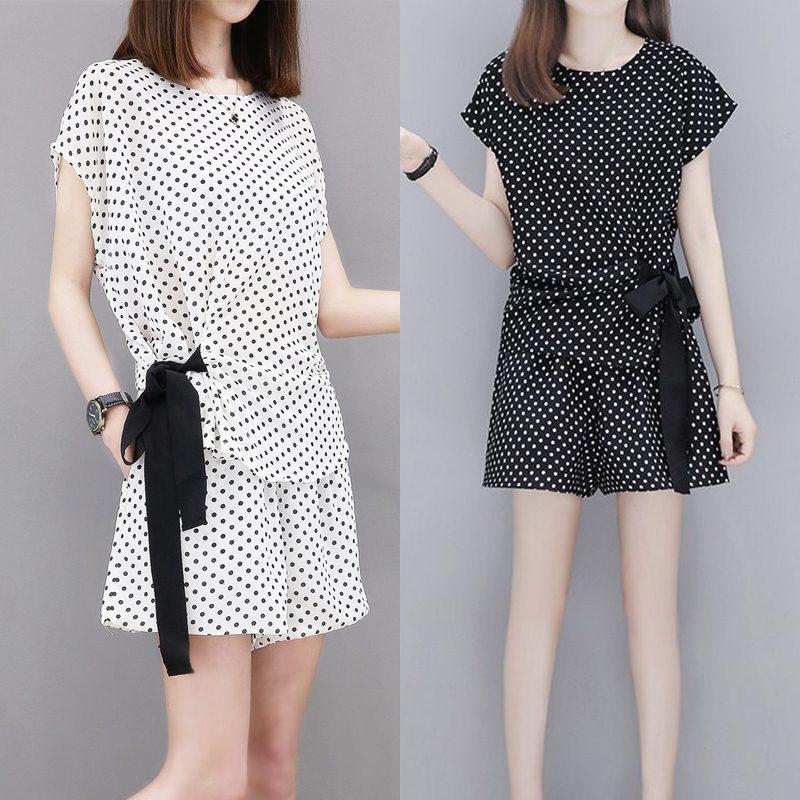 Set_bp1650 ชุดเซ็ท 2 ชิ้น(เสื้อ+กางเกง) เสื้อทรงฟรีไซส์+กางเกงขาสั้นเอวยางยืด ผ้าไหมอิตาลีลายจุดเนื้อดีนุ่มใส่สบาย งานสวยใส่ง่ายน่ารักมาก มี 2 สี ขาว, ดำ