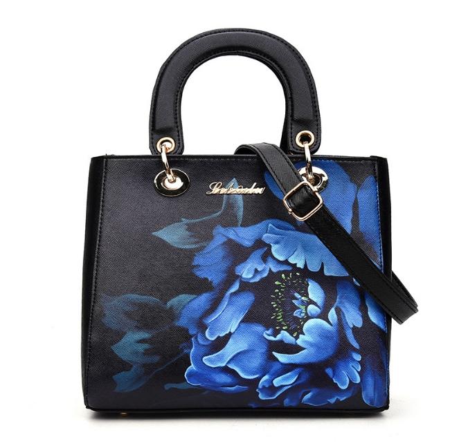 [ ลดราคา ] - กระเป๋าแฟชั่น สีดำคลาสสิค พิมพ์ลายดอกสุดหรู ขนาดกระทัดรัด ทรงถือ&สะพายเก๋ๆ ดีไซน์แบรนด์ดัง สไตล์ยุโรป หรูดูดีไม่ซ้ำใคร