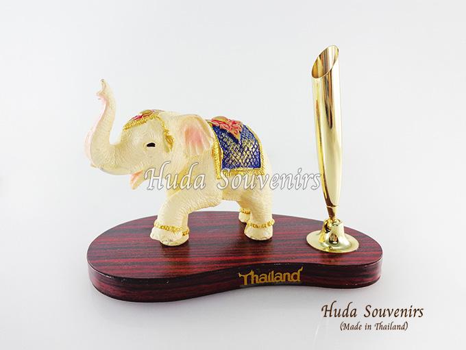 ของที่ระลึก ช้างทรงเครื่องเรซิ่น ที่เสียบปากกา รูปช้างยกขาหน้า สินค้าพร้อมส่ง
