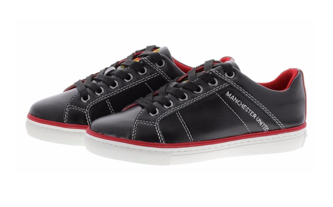 รองเท้าแมนเชสเตอร์ ยูไนเต็ดของแท้ แทร็ฟฟอร์ดไลส์สไตล์เทรนเนอร์สีดำสำหรับผู้ชาย
