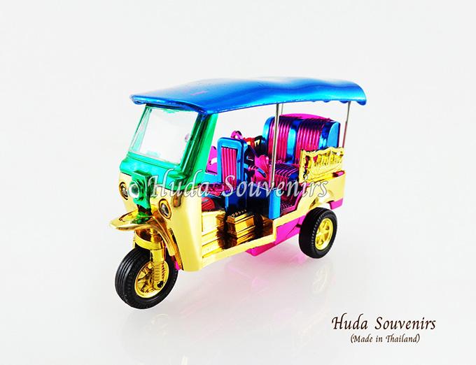 ของที่ระลึก รถตุ๊กตุ๊กจำลอง สีมิกส์คัลเลอร์ ไซส์เล็ก (S) สินค้าบรรจุในกล่องมาให้เรียบร้อย สินค้าพร้อมส่ง
