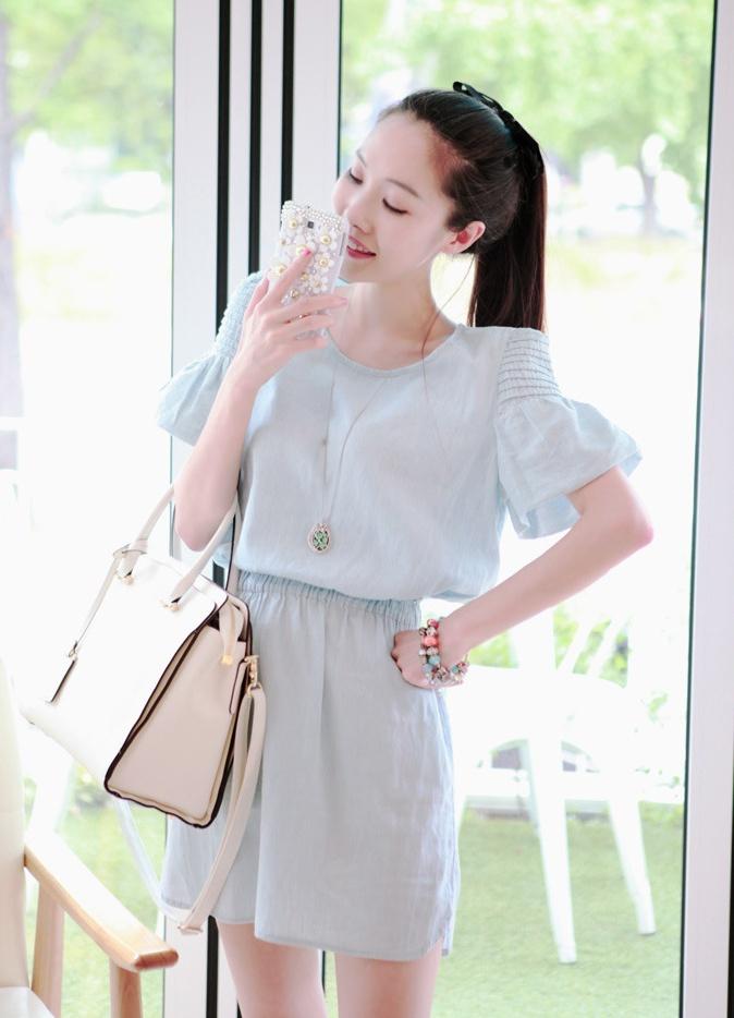 """size M """"พร้อมส่ง""""เสื้อผ้าแฟชั่นสไตล์เกาหลีราคาถูก Brand Cherry KOKO เดรสผ้าฝ้ายคล้ายยีนส์สีฟ้าอ่อน แขนบอลลูน เอวยืด ไม่มีซับใน(สีจริงเข้มกว่าในรูปนะคะ)"""