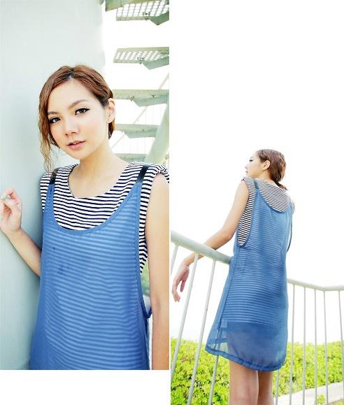 """""""พร้อมส่งค่ะ""""เสื้อผ้าแฟชั่นสไตล์เกาหลีราคาถูก Brand Catworld set 2 ชิ้น เดรสแขนกุดลายขวางสีขาวดำ เสริมฟองน้ำที่ไหล่ +เสื้อคลุมตัวยาวสายหนัง -สีฟ้า"""