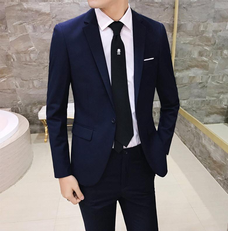 พร้อมส่ง เสื้อสูทผู้ชาย สีน้ำเงินเข้ม แขนยาว กระดุมหน้าหนึ่งเม็ด แต่งขอบกระเป๋าอกสีขาว เสื้อเข้ารูป สูทแฟชั่นผู้ชาย
