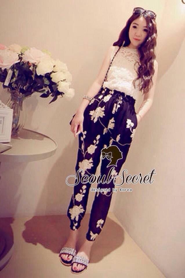 เสื้อผ้าแฟชั่น พร้อมส่ง Chic'n Chic Set Cami Lace with Flora Pant