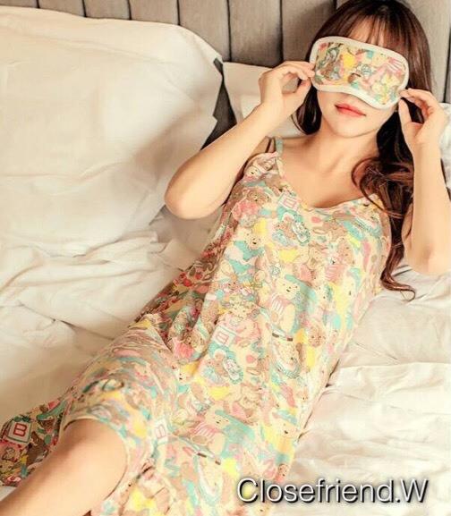 เสื้อผ้าเกาหลีพร้อมส่ง เซท 2 ชิ้น ชุดนอนสีหวานกรีดๆๆ พร้อมผ้าปิดตาเก๋ๆๆ