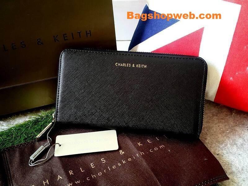กระเป๋า CHARLES & KEITH Wallet ราคา 1,090 บาท Free Ems