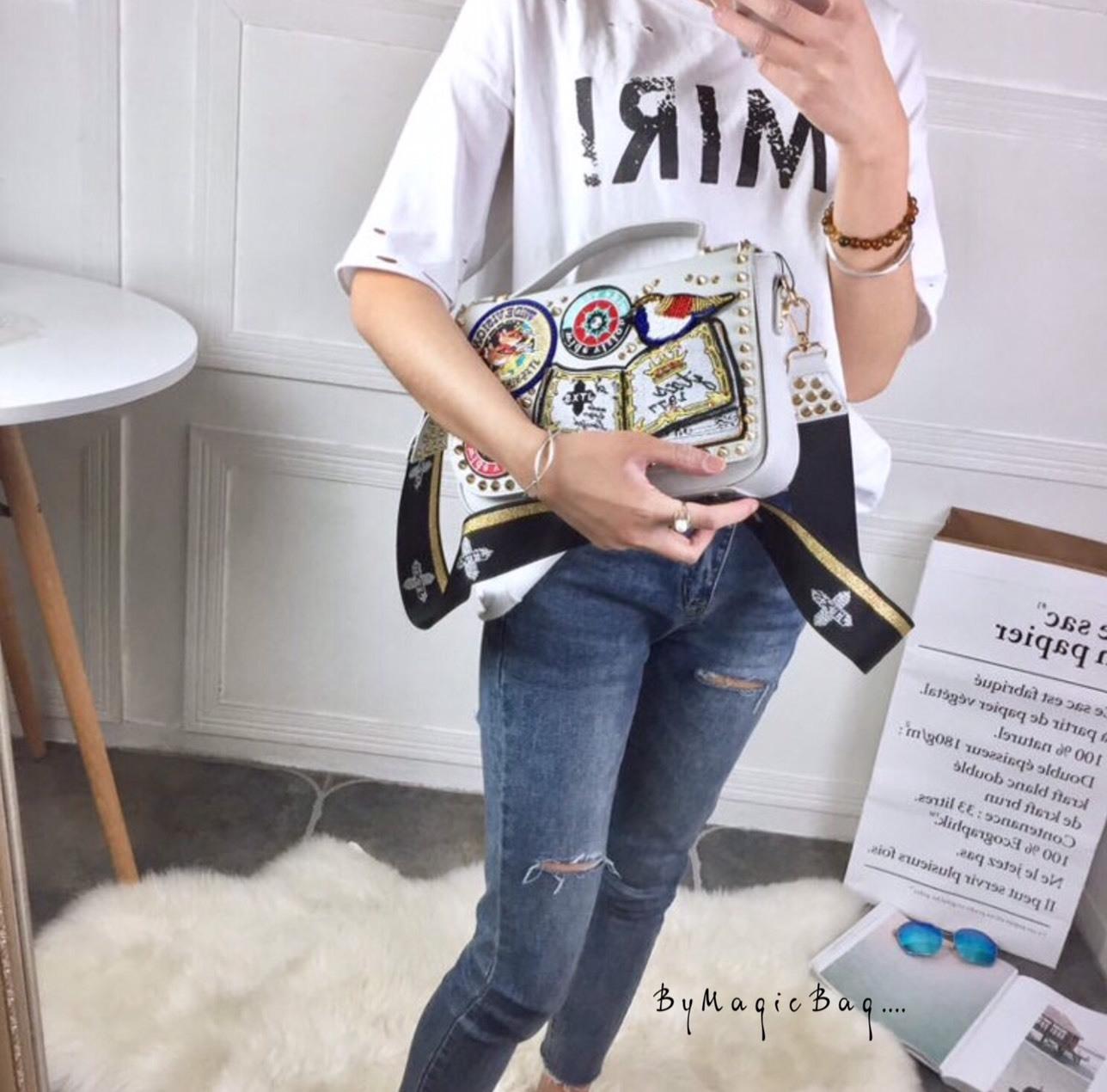 กระเป๋าสะพาย สีเทา JTXS bag made in Hong Kong 2017...งานแท้นะคะ