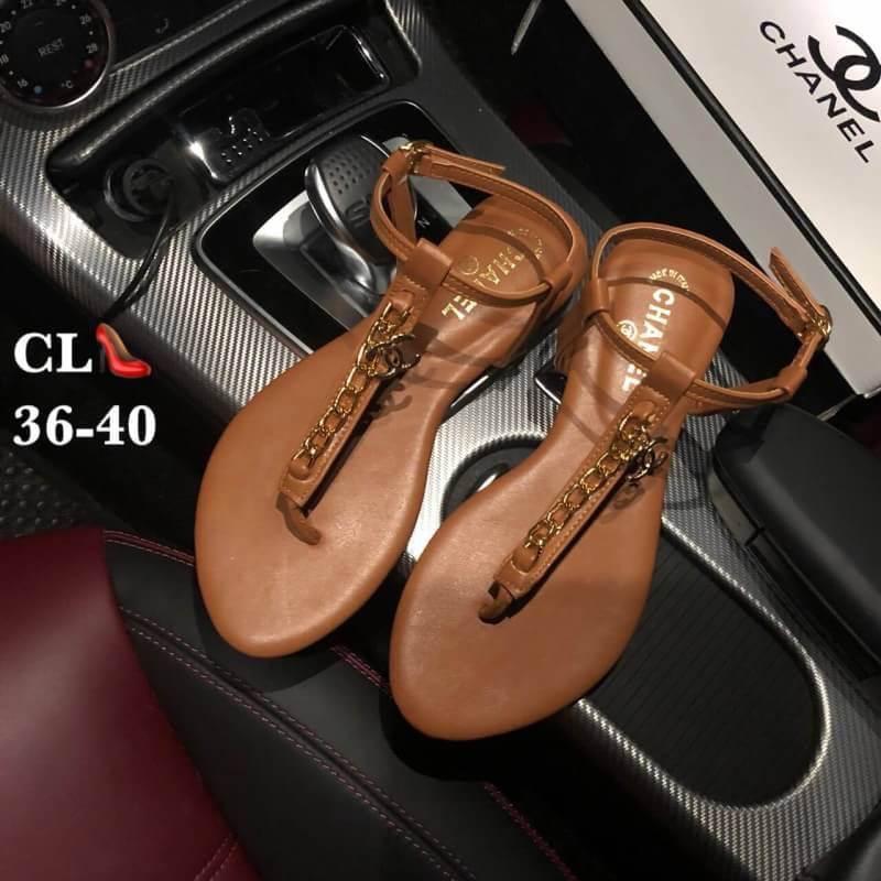 รองเท้าแตะแฟชั่น แบบหนีบ รัดส้น แต่งโซ่ ดีไซน์เปลือยเท้าสวยเก๋ไฮโซสไตล์ชาแนล หนังนิ่ม ทรงสวย ใส่สบาย แมทสวยได้ทุกชุด (FT-125)