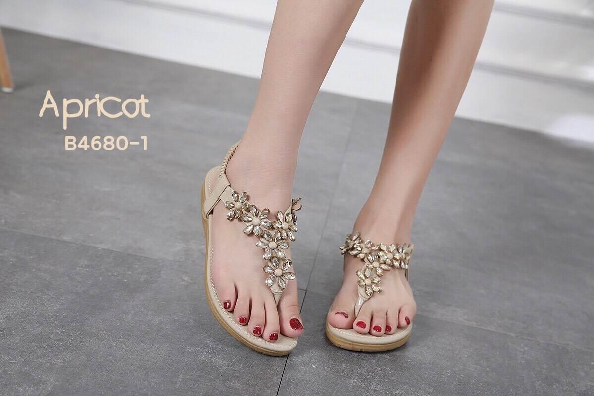 รองเท้าแตะแฟชั่น แบบหนีบ รัดส้น แต่งดอกไม้คลิสตัลสวยหรู รัดส้นยางยืดนิ่ม หนังนิ่ม ทรงสวย ใส่สบาย แมทสวยได้ทุกชุด (B4680-1)