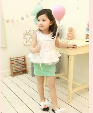 Pre-order ปลีก เซทเสื้อ+กระโปรง / Size 110 /สีขาว