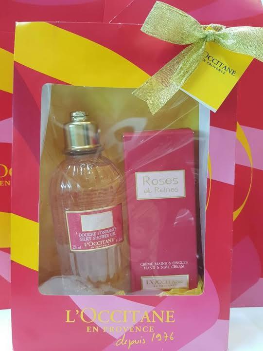 *พร้อมส่ง*L'Occitane Roses Set 2016 Limited Edition เซ็ทของขวัญเจลอาบน้ำและครีมบำรุงผิวมือในคอลเลคชั่นกุหลาบหอมนุ่มละมุน ช่วยเพิ่มความชุ่มชื้น ทำให้ผิวนุ่มเสริมคุณค่าด้วยเชียบัตเตอร์และวิตามินอี เป็นผลิตภัณฑ์ที่ขาดไม่ได้สำหรับคุณ! ,