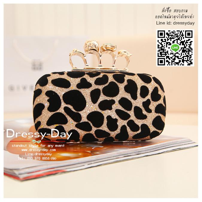 กระเป๋าออกงาน BM015 : กระเป๋าคลัชสวย หรู สีทอง สีทองแดง เรียบเก๋ๆ ราคาถูก ใส่คู่กับชุดเดรสออกงานน่ารักมากค่ะ ลายเสือ สีดำ/ทอง