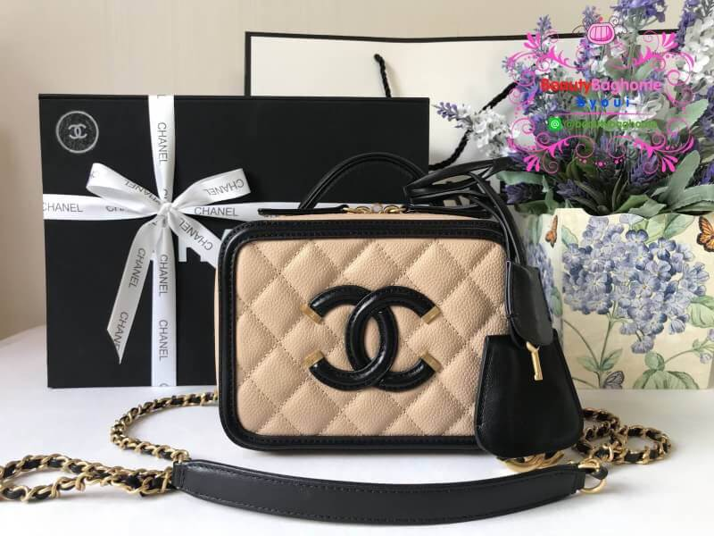 Chanel CC Filigree Vanity Case สีครีม งานHiend Original