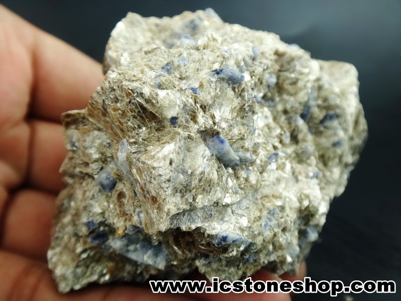 ▽ไพลินฝั่งตัวในแร่ฟลอโกไพท์ (Sapphire Phlogopite) Afganistan (231g)