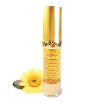 Silk Protein Essence เจลใยไหมธรรมชาติทองคำ ช่วยลดริ้วรอยร่องลึก ลดหลุมสิว เสริมสร้างคอลลาเจนในผิว ให้ผิวกระชับ เต่งตึง ขาวเนียนใส