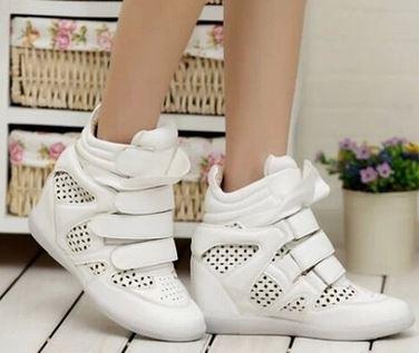 รองเท้าผ้าใบแฟชั่นแบบกลวงระบายอากาศเสริมสูงสไตล์เกาหลีรองเท้าลำลอง