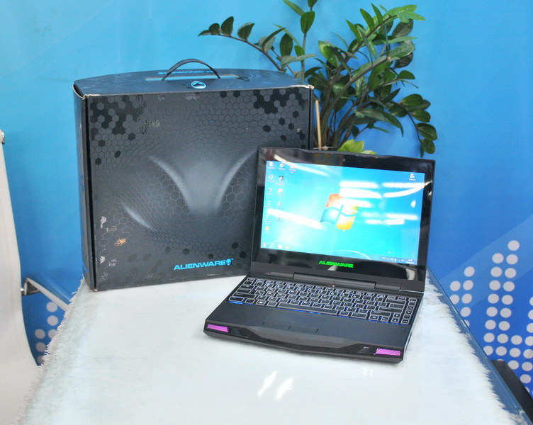 Alienware M11x-R3 Intel Core i7-2617M 1 50GHz RAM 8GB