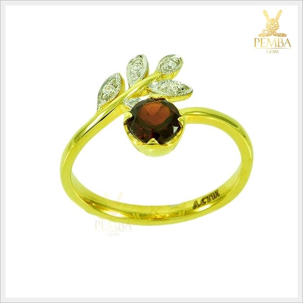 แหวนโกเมน ทองแท้ ดีไซน์เก๋ๆ ใบมะกอก (สามารถสั่งทำได้ค่ะ)