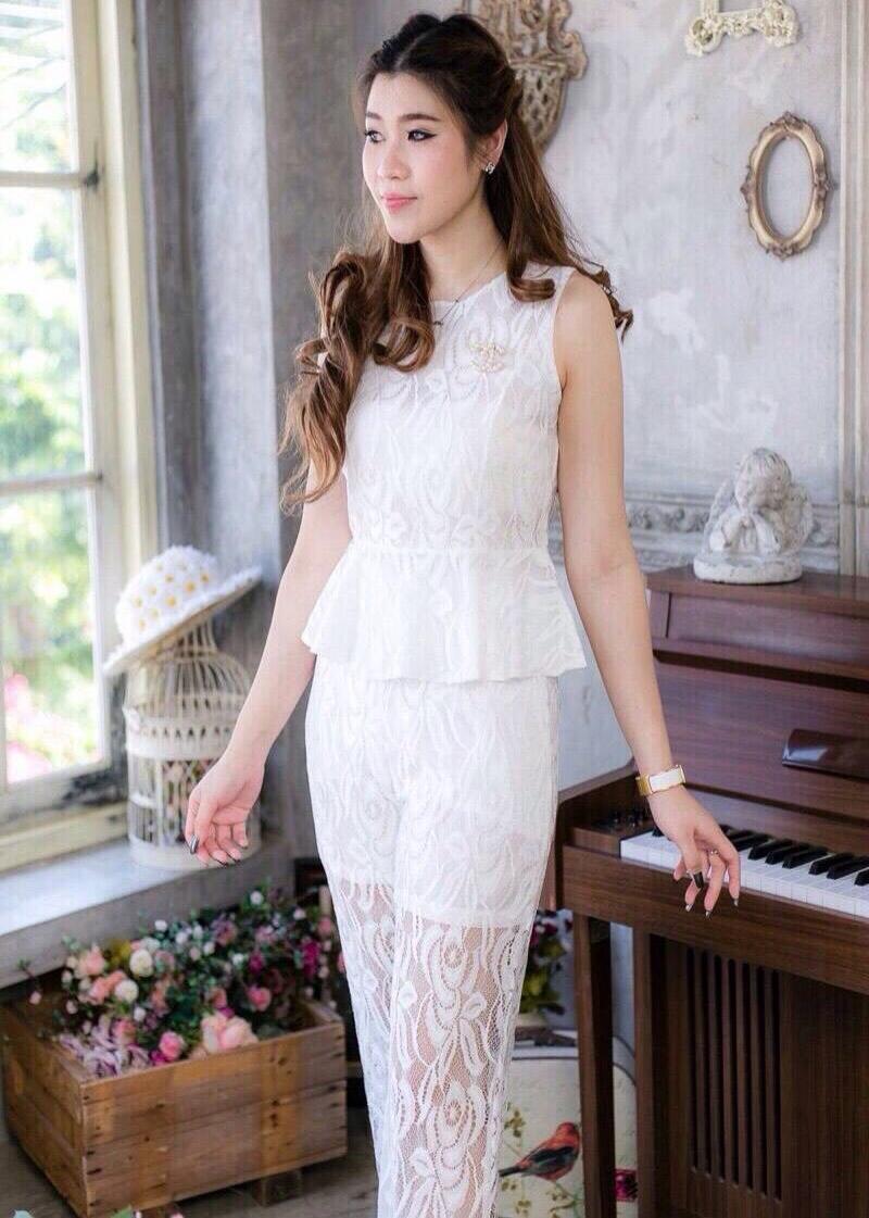 ชุดออกงาน ชุดไปงานแต่งงานสีขาว เซ็ทเสื้อ+กางเกง ผ้าลูกไม้ สวยหวาน หรู เรียบๆ สุภาพเรียบร้อย