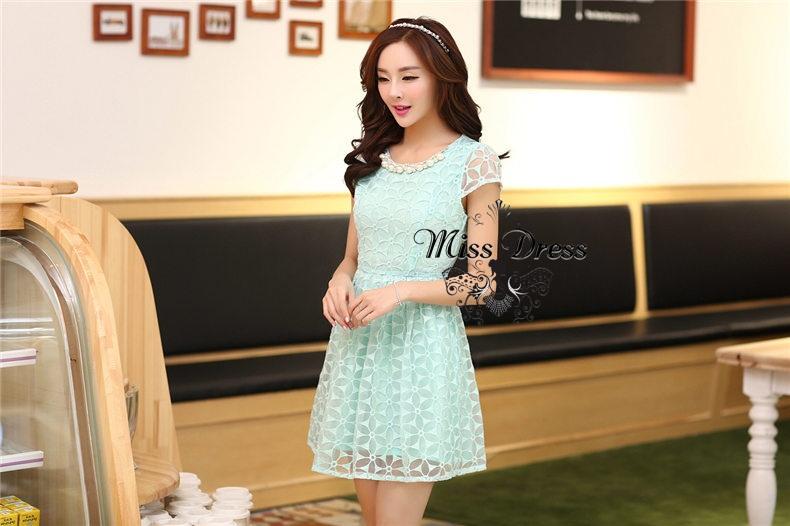 ชุดเดรสทำงานสวยหวานแนวเกาหลี สีเขียวมิ้น ผ้าไหมแก้วปักลายสวยเก๋ คอตกแต่งสวยมุกสีขาวสวยสุดอลัง