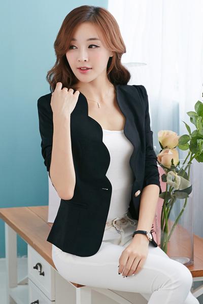 เสื้อสูทแฟชั่น เสื้อสูทผู้หญิง สีดำ แขนยาว แต่งเว้าช่วงหน้าอก