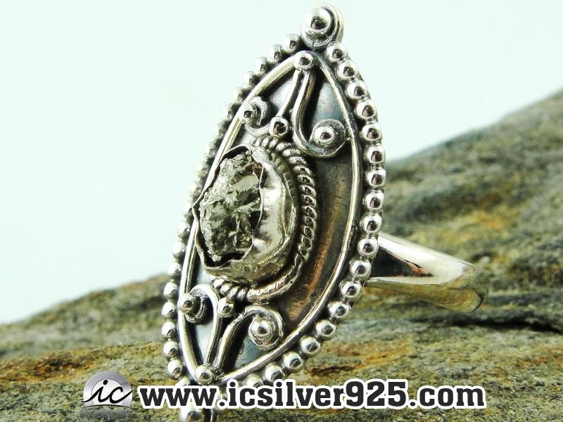 ▽ไพไรต์ (Pyrite)จากเปรู-แหวนเงินแท้ 925 (แหวนเบอร์ : 56 , 4.8g)