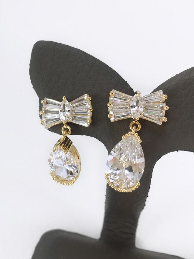 Cherish Crystal Earring ต่างหูแฟชั่นเกาหลี ตุ้มหูห้อย สีทอง คริสตัลเพชร CZ พร้อมส่งค่ะ