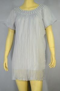 MIXSELF เสื้อกึ่งเดรสสั้นสีเทาอ่อน ผ้าชีฟองอัดจีบทั้งตัวมีซับใน ประดับลูกปัดรอบคอ
