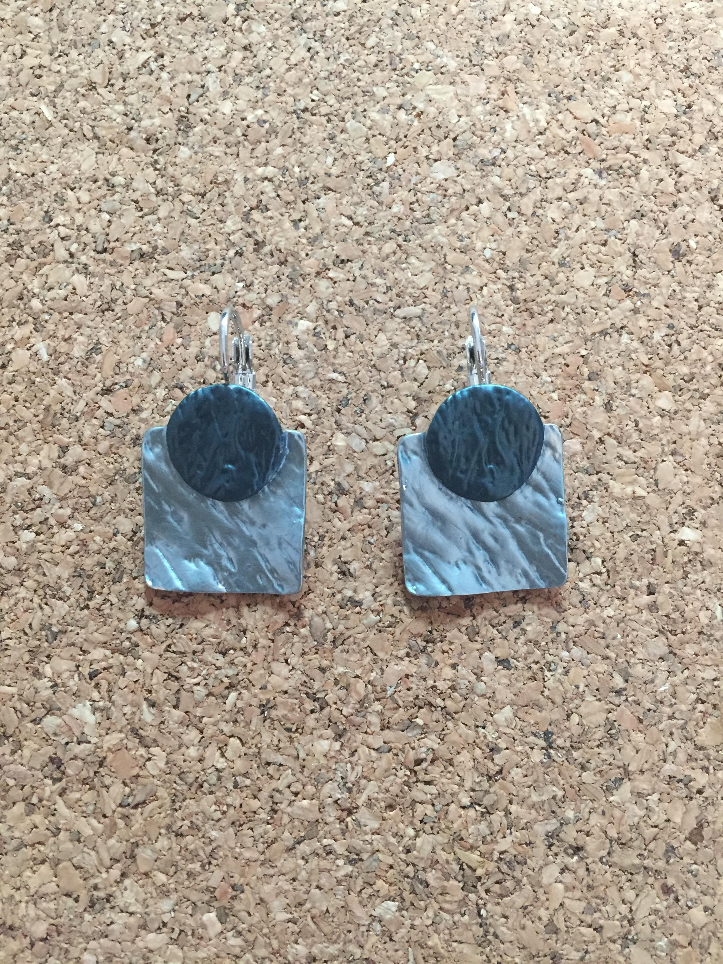 F017 ต่างหูห่วงโรเดียม สี่เหลี่ยมฟ้าอมเขียว