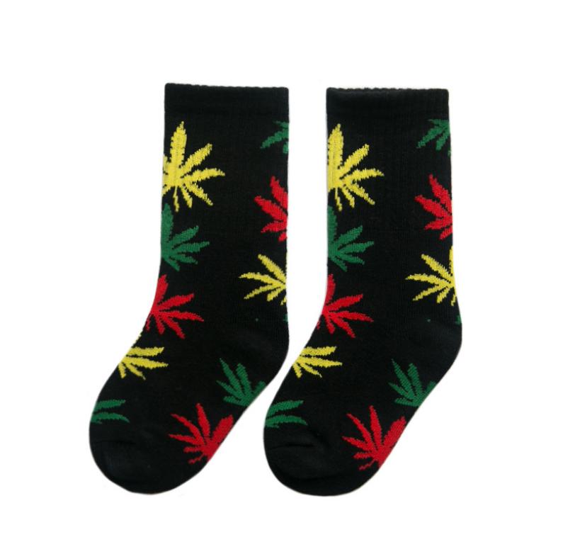 ถุงเท้ายาว สีเขียว แพ็ค 10 คู่ ไซส์ M (ประมาณ 3-5 ปี)
