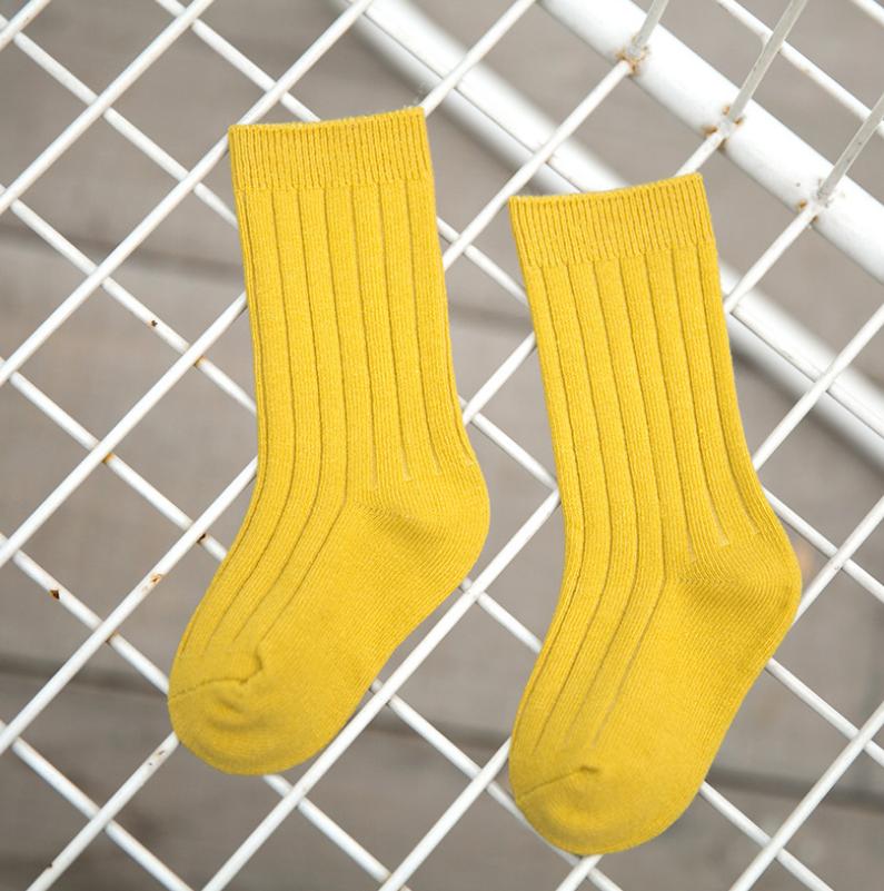 ถุงเท้ายาว สีเหลือง แพ็ค 12 คู่ ไซส์ L (อายุประมาณ 6-8 ปี)