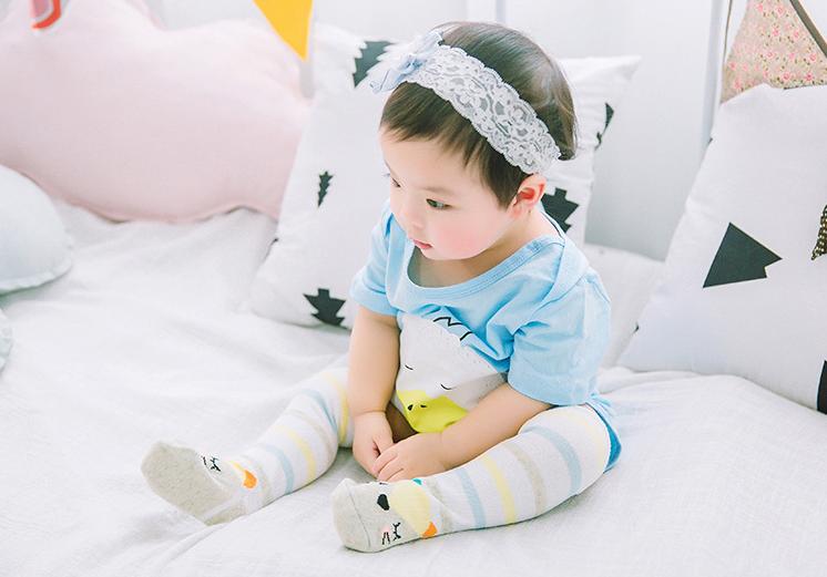 ถุงเท้ายาว ลายจิ้งจอก สีเทา แพ็ค 10 คู่ ไซส์ M (อายุประมาณ 6-12 เดือน)