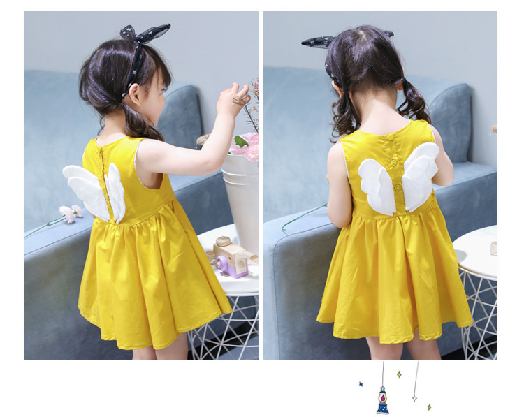 ชุดเดรสสีเหลืองแต่งดอกไม้สีขาวที่หน้าอกและปีกที่ด้านหลัง [size 2y-3y-4y-5y-6y]