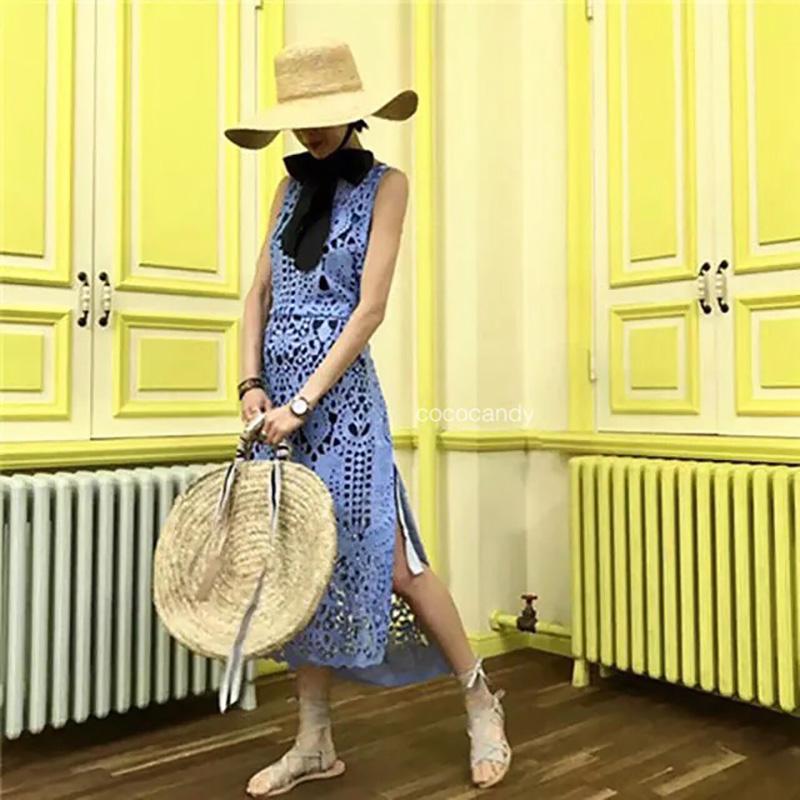 แม็กซี่เดรส Majestic Lace Maxi Dress