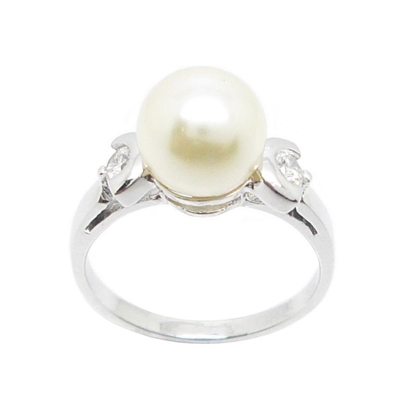 แหวนมุกประดับเพชรชุบทองคำขาว