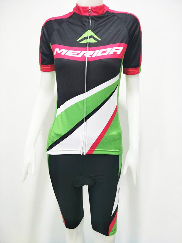 ชุดปั่นจักรยานผู้หญิงสั้น : XP152050