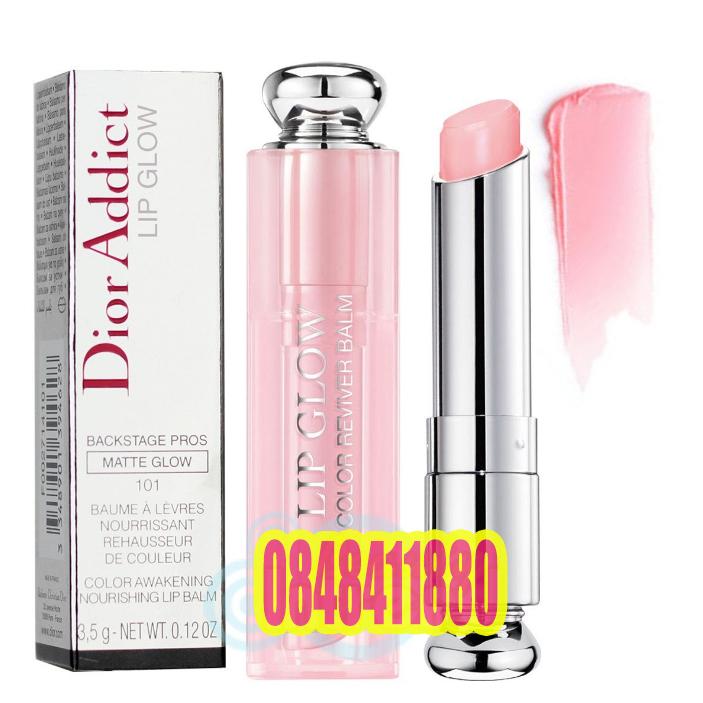 Dior Addict Lip Glow Backstage Pros Color Reviver Balm SPF10 ปกติ 3.5 g #101 Matte Pink ลิปบาล์ม บำรุงริมฝีปากเนื้อนุ่ม เรียวปากเอิ่บอิ่ม พร้อม SPF 10 ช่วยป้องกันแสงแดด มอบความชุ่มชื่นให้ริมฝีปากดูอวบอิ่ม ช่วยให้ริมฝีปากไม่แห้งกร้าน หรือแตกเป็นขุย ช่
