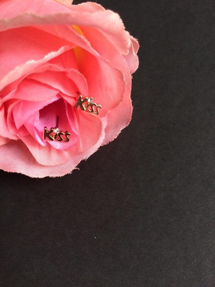 Diamond kissy earrings