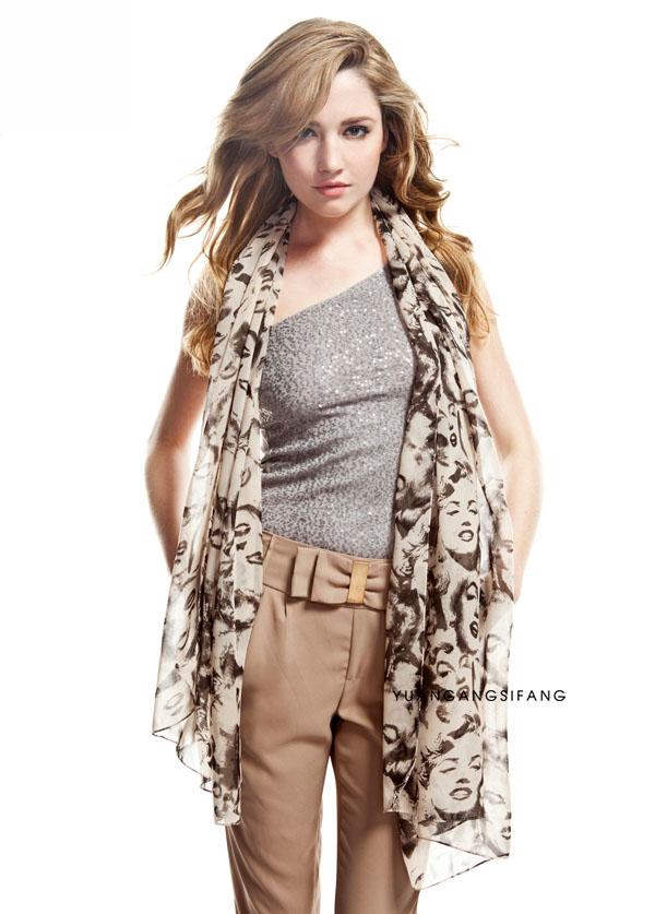 ผ้าพันคอชีฟอง ลายมารีรีนมอลโลสีขาว ( รหัส P26 )