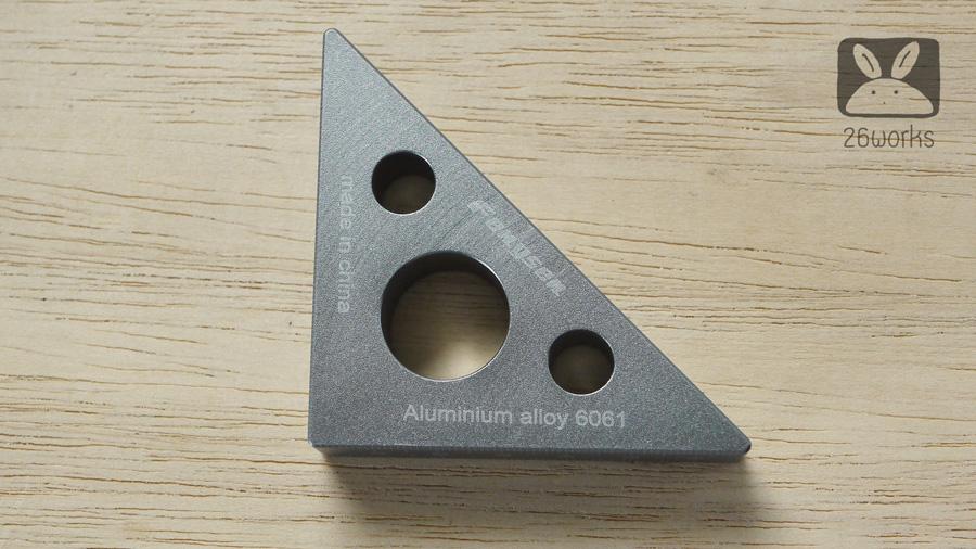 ฉากสามเหลี่ยมอลูมิเนียม ตัวเล็ก