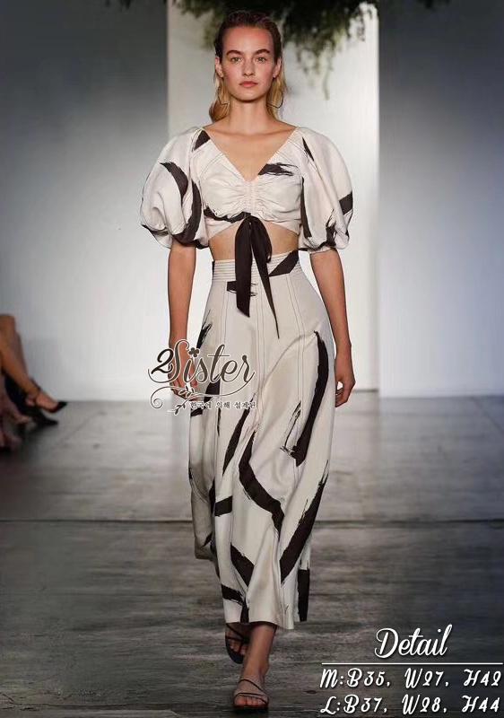 ชุดเซทแฟชั่น เซ็ตเสื้อ+กระโปรงเข้าชุดกัน งานสไตล์แบรนด์ดัง