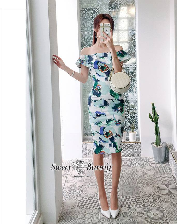 เดรสแฟชั่น ชุดเดรสดอกเกาหลี เนื้อผ้าดีนุ่มผ้าสวยลายดอกทั้งชุด