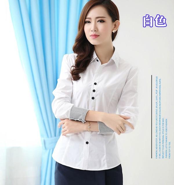 Pre-Order เสื้อเชิ้ตผู้หญิง เข้ารูป แขนยาว สีขาว ผ้าฝ้าย แต่งด้วยผ้าลายริ้วที่ปลายแขนและสาบคอ
