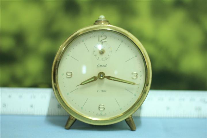 T0647 นาฬิกาปลุกเยอรมันโบราณ Exact ส่ง EMS ฟรี