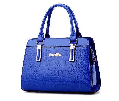 Pre-order ขายส่งกระเป๋าผู้หญิงถือลายหนังจระเข้ หนังเงา กระเป๋าผู้ใหญ่ถือออกงาน ถือทำงาน รหัส Yi-8002 สีน้ำเงินไพลิน